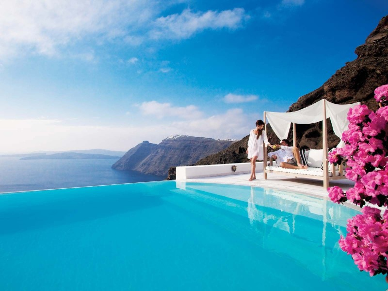 Travel arrangements for the perfect Greek honeymoon
