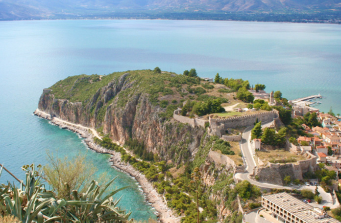 Reasons to visit Greece in September